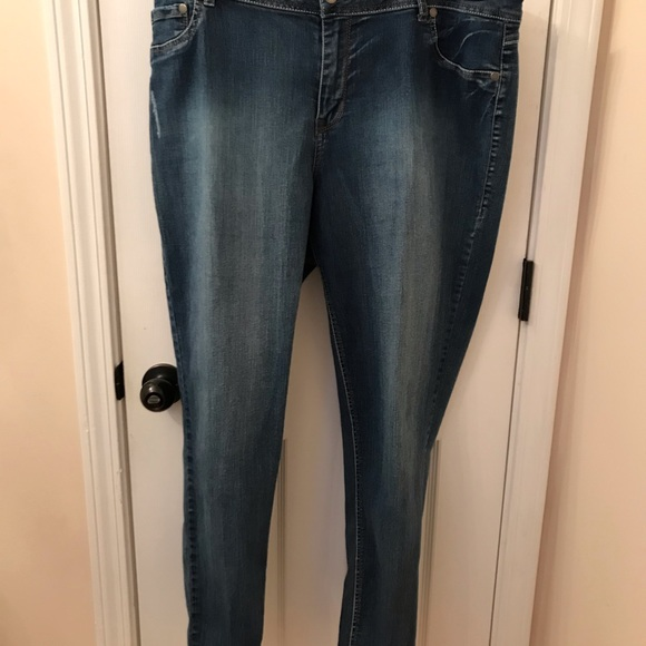 Avenue Denim - Woman's fit is so soft and relaxed, NWOT